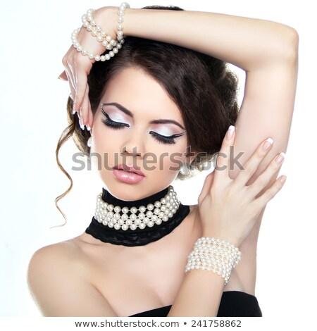 moda · retrato · mujer · hermosa · perlas · blanco · negro · foto - foto stock © victoria_andreas