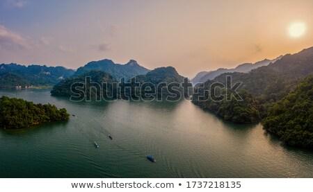 barco · puesta · de · sol · pacífico · lago - foto stock © xuanhuongho