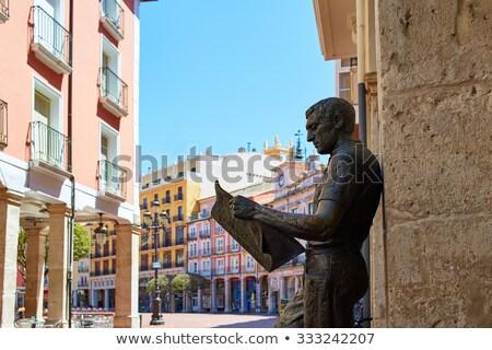 статуя газета читатель Испания квадратный здании Сток-фото © lunamarina