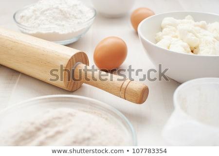 Farinha fresco ovo escavar madeira concha Foto stock © Digifoodstock