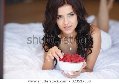 een · vers · framboos · Rood · kleur · zoete - stockfoto © is2