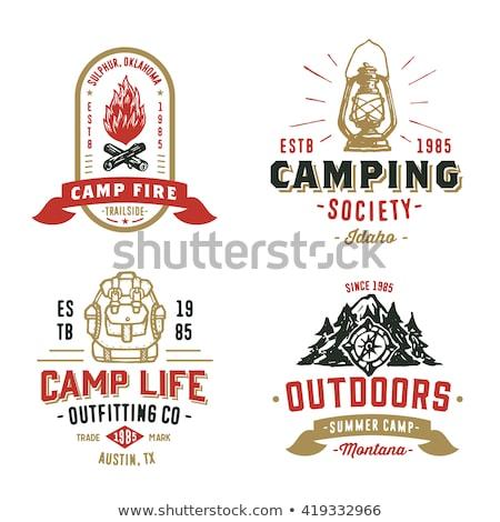 Vintage camping lantaarn embleem berg Stockfoto © JeksonGraphics