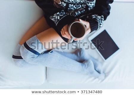 fiatal · nő · iszik · kávé · felfelé · néz · fehér · nő - stock fotó © Rob_Stark