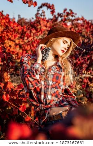 groene · haren · meisje · bos · druiven · witte - stockfoto © dolgachov