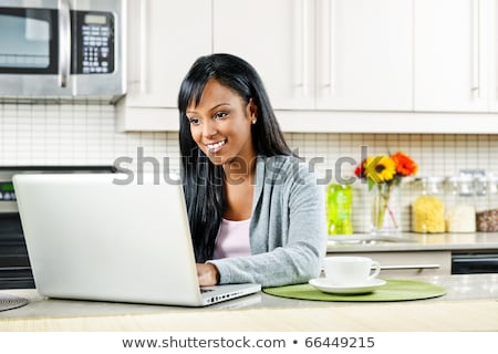 Foto stock: Moderna · cocina · mujer · de · trabajo