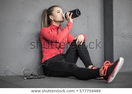 jovem · bastante · mulheres · isolado · preto - foto stock © denismart