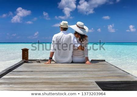 Paar vergadering pier natuur glimlachend vakantie Stockfoto © IS2