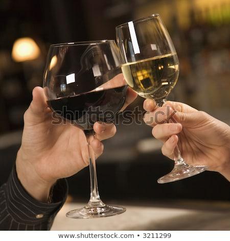 Foto stock: Casal · copos · de · vinho · restaurante · óculos