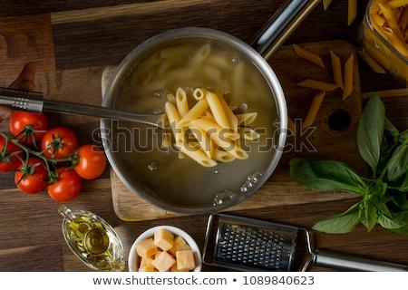 pişirme · genç · kadın · spagetti · soba · İtalyan · ev - stok fotoğraf © pressmaster