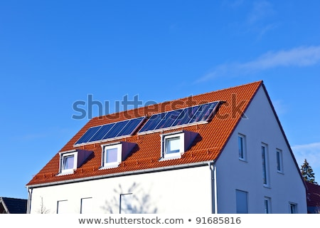 Stockfoto: Algemeen · eengezinswoning · voorstads- · blauwe · hemel · hemel · huis