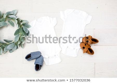 Csinos érett barna hajú rózsa szexi ágy Stock fotó © disorderly