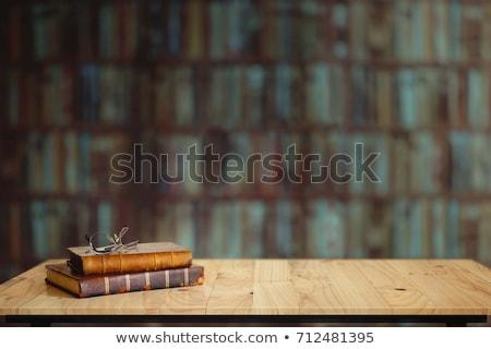 Eski kitaplar ahşap kütüphane kâğıt Stok fotoğraf © fotoduki