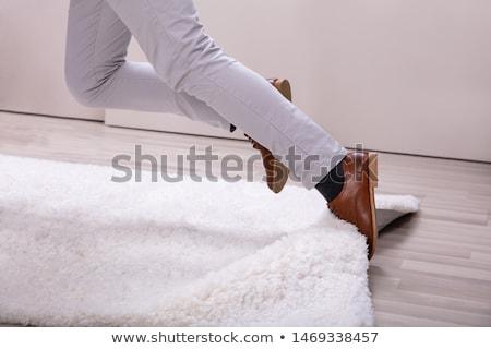 Homem pernas tapete baixo seção sala de estar Foto stock © AndreyPopov