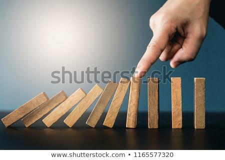 Zakenman hand vallen houten Stockfoto © Freedomz