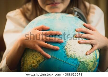 Stockfoto: Jong · meisje · wereldbol · school · kaart · kind