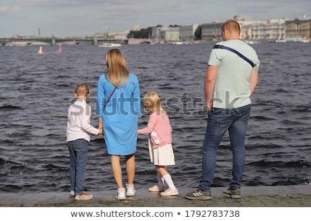 Stockfoto: Gelukkig · gezin · meisje · spatten · water · handen · permanente