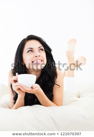 jeune · femme · éveillé · lit · pense · belle · sérieux - photo stock © deandrobot