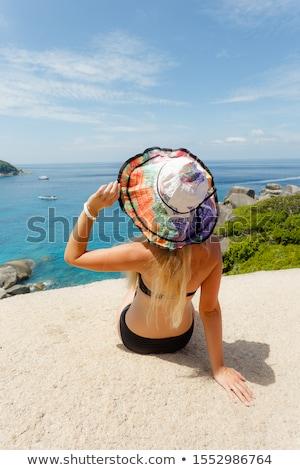 belle · jeune · femme · séance · merveilleux · pierre · côte - photo stock © Massonforstock