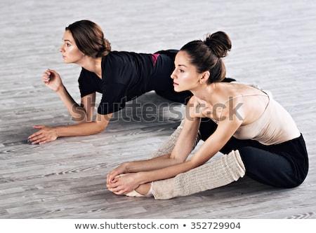 ballerina · omhoog · ballet · klasse · jonge · mooie - stockfoto © o_lypa