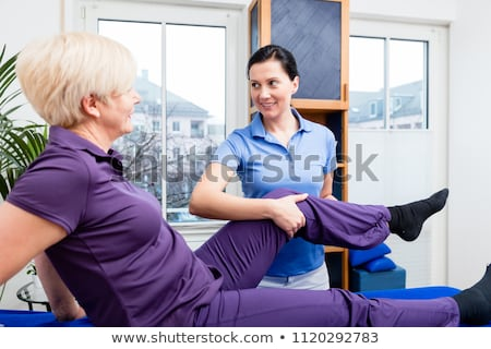 Supérieurs physiothérapie âgées physiothérapie réhabilitation homme Photo stock © AndreyPopov