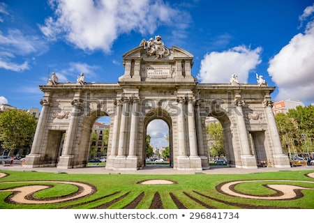 portão · praça · Madri · Espanha · la · flor - foto stock © kasto