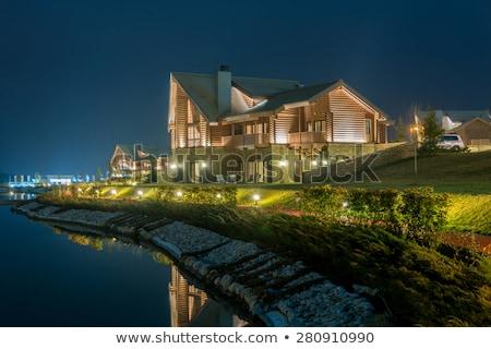 Agradable moderna casa lago cielo edificio Foto stock © Elnur