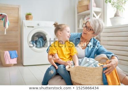 Oma kind wasserij gelukkig meisje weinig Stockfoto © choreograph