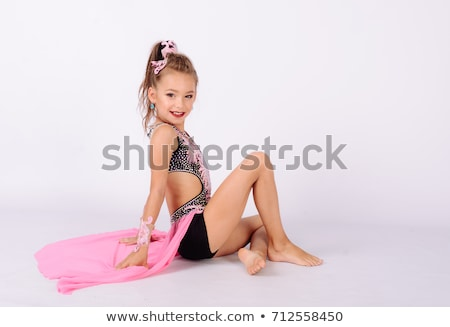 Belle fille acrobatique belle jeune fille isolé Photo stock © deandrobot