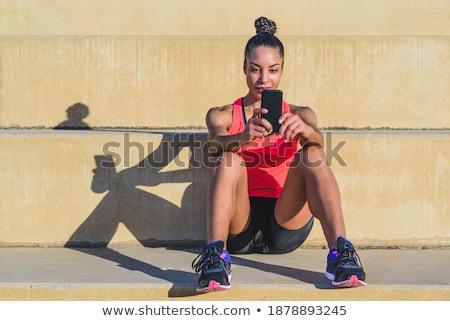 женщину · сидят · улице · парка · шаги · используя · ноутбук - Сток-фото © deandrobot