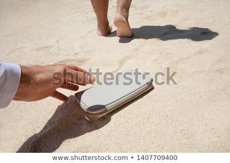 Uomo perso borsa sabbia primo piano Foto d'archivio © AndreyPopov