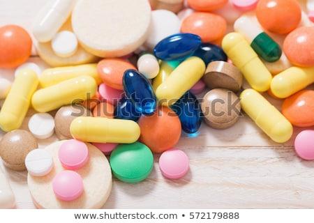 Keverék tabletták asztal kórház segítség drogok Stock fotó © tannjuska