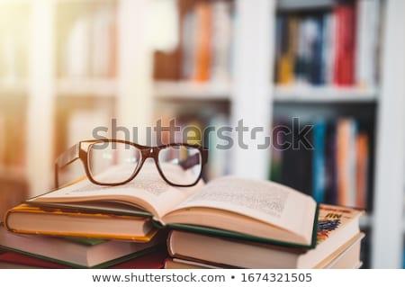 nyitva · napló · szemüveg · modern · asztal · üzlet - stock fotó © digoarpi