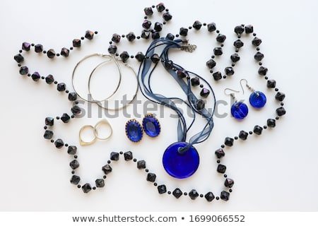 Mooie vrouw saffier ketting mode sieraden vrouw Stockfoto © serdechny
