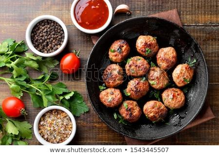 イタリア語 · 料理 · 肉 · バジル · トマト - ストックフォト © badmanproduction