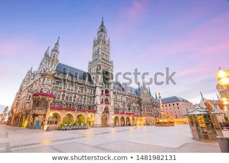 Münih belediye binası bayrak ön plan şehir mimari Stok fotoğraf © tepic