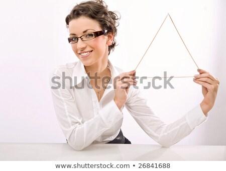 jóvenes · mujer · de · negocios · triángulo · símbolo · negocios - foto stock © konradbak