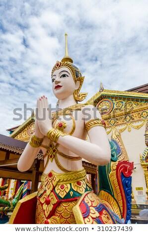 Thai budista templo ouro chinês estátua Foto stock © tang90246