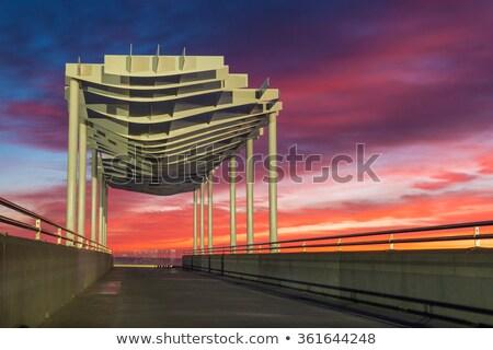 プラットフォーム 夜明け 新しい 現代 ビーチ 水 ストックフォト © rghenry