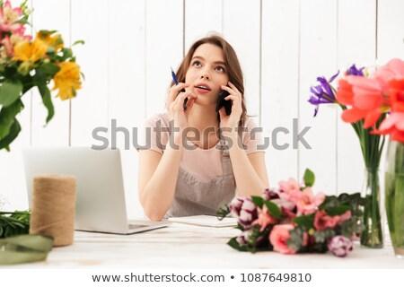 fleuriste · téléphone · fleurs · femmes · nature · usine - photo stock © deandrobot