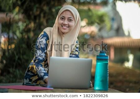студентов · изучения · молодые · женщины · лет - Сток-фото © deandrobot