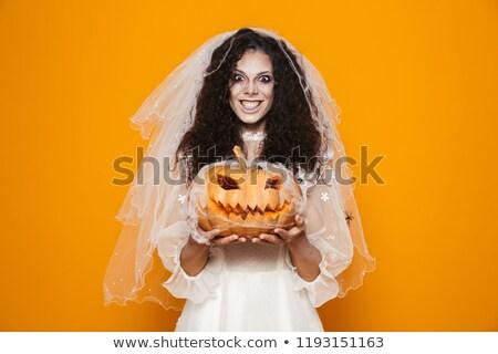 Heiter tot Braut Hochzeitskleid lächelnd Stock foto © deandrobot