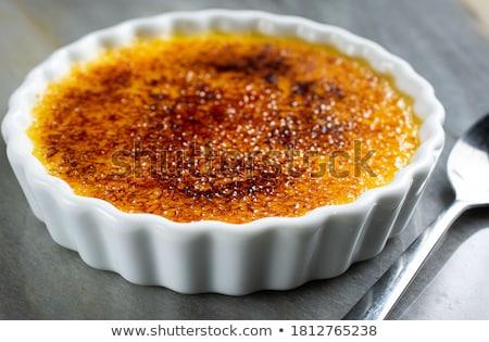 heerlijk · karamel · eenvoudige · dessert · restaurant · donkere - stockfoto © grafvision