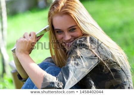 Leuk jonge vrouw camera achter schouder Stockfoto © Giulio_Fornasar