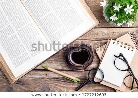 eski · kitaplar · gözlük · tablo · gözlük · çalışma - stok fotoğraf © Laks