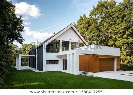Extérieur de la maison vue maison couvert pont Photo stock © iriana88w