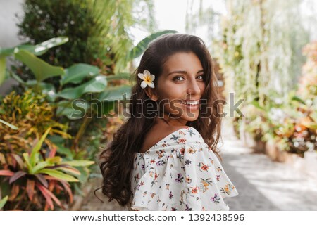 довольно брюнетка блузка позируют женщину девушки Сток-фото © acidgrey