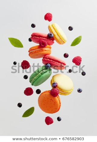 francés · frambuesa · macarons · menta · hojas · edad - foto stock © homydesign