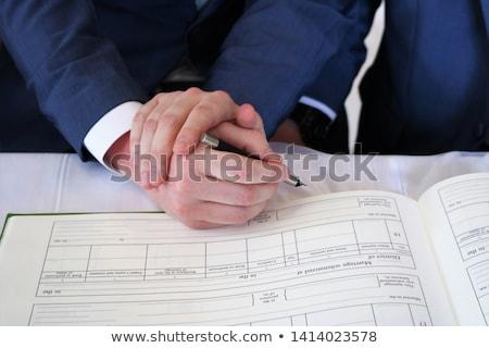 Mannelijke homo paar handen trouwring Stockfoto © dolgachov