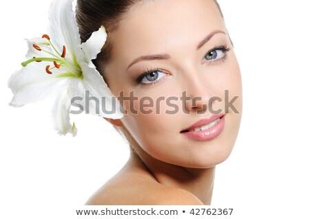 Mujer hermosa Lily pelo retrato tiro jóvenes Foto stock © LightFieldStudios