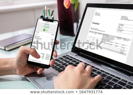 üzletember fizet számla közelkép laptopot használ üzlet Stock fotó © AndreyPopov